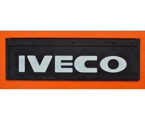 1044 Бризговик Iveco рельєфний напис перед(650х220)