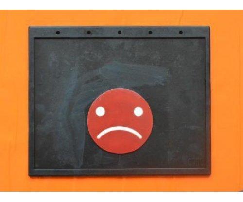Брызговик смайлик красный простая надпись(400х320)